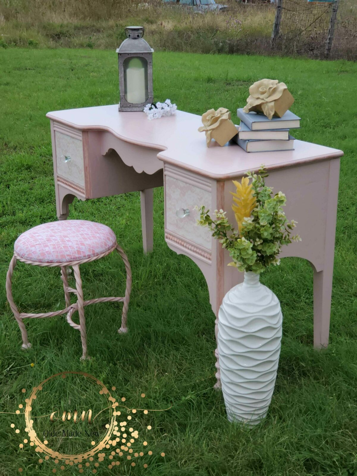 Links to Fabulous Furniture Makeover Posts